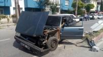 EVLİYA ÇELEBİ - Kütahya'da 2 Otomobil Çarpıştı Açıklaması 4 Yaralı