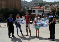 BAHAMA - Denizden Gelen Lübnanlıları Polis Haritayla Karşıladı