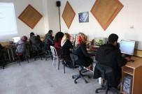 AHŞAP OYMACILIĞI - Halk Eğitim Merkezinde Yediden Yetmişe Herkese Eğitim Veriliyor