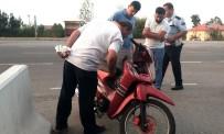 19 MAYıS - Motosiklet Hırsızlarını Güvenlik Kamerası Ele Verdi
