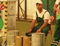 KEMAL SUNAL - Temizlik işçilerinden 'Organik Ritim Orkestrası'