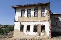BOZOK ÜNIVERSITESI - Yozgat'ta 2 asırlık konak zamana direniyor