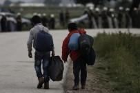 SEYAHAT YASAĞI - ABD Yüksek Mahkemesinden Mülteci Yasağı Kararı