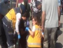 BIÇAKLI KAVGA - Ankara Adliyesi önünde bıçaklı kavga: 1'i çocuk 3 yaralı