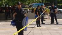 ALACAK VERECEK MESELESİ - Ankara Adliyesi Önünde Bıçaklı Ve Çekiçli Kavga Açıklaması 3 Yaralı