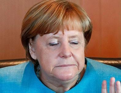 Avrupa Parlamentosu da Merkel'e karşı