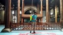 KITAPLıK - Beyşehir'de Camiler Gül Kokuyor