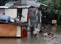 TOPRAK KAYMASI - Filipinler'de Tropik Fırtına Açıklaması 2 Ölü