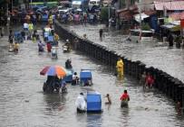 TOPRAK KAYMASI - Filipinler'i Maring Fırtınası Vurdu Açıklaması 2 Ölü