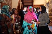 SOSYAL SORUMLULUK PROJESİ - Gambiya Cumhurbaşkanı Yardımcısı Ve Kadın İşleri Bakanı Tambajang, Afrika Evinde