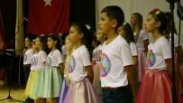 MEZHEP - Göçmen Çocuklar 3 Ay Çalıştılar, 10 Dilde Şarkı Söylediler