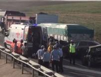 ANIZ YANGINI - Eskişehir'de anız yangını zincirleme kazaya neden oldu