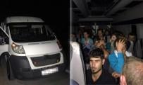MİLLET CADDESİ - İnsan Kaçakçısı Minibüsüyle Polise Çarptı
