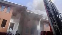 EDIRNEKAPı - İstanbul'da FETÖ'cülerin Eski Yurt Binasında Yangın Çıktı