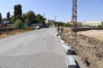 KALDIRIMLAR - Muş Belediyesinden Yol Ve Kaldırım Çalışması