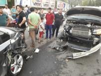 ATATÜRK BULVARI - Alkollü Sürücü Park Halindeki Araçlara Çarptı Açıklaması 2 Yaralı