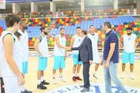 BASKETBOL TAKIMI - Başkan Altay'dan Basketbol Takımına Ziyaret