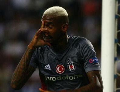 Beşiktaş'ta Talisca Porto taraftarlarının ıslıklarına golle cevap verdi