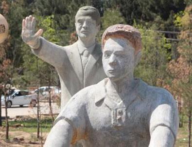 Cumhurbaşkanı Erdoğan uyarmıştı: İlk heykel kaldırıldı!