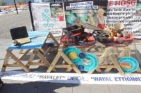 BEBEK ARABASI - Denizden Çıkan Atıklar Balıkçı Tezgahlarında Sergilendi