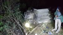 Erzincan'da Virajı Alamayan Otomobil Şarampole Devrildi Açıklaması 4 Ölü, 2 Yaralı