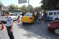 TİCARİ TAKSİ - İstanbul'da Taksi Ve Minibüsler Denetlendi