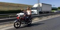 ŞAHIT - İstanbul Trafiğinde 'Çocuk Sürücü' Şaşkınlığı