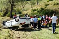OLAY YERİ İNCELEME - Okula Giden Kadın Öğretmenler Uçuruma Yuvarlandı Açıklaması 1 Ölü, 2 Yaralı