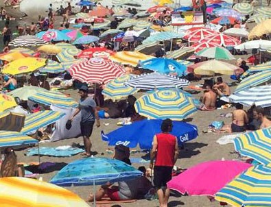 Plajda alkol alan 2 kadın doktora para cezası