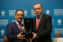 NURULLAH CAHAN - Başkan Cahan, Proje Ödülünü Cumhurbaşkanı Erdoğan'dan Teslim Aldı