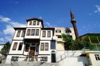 AKMESCIT - Belediye Başkanı Babaş'a Bir Ödülde Tarihi Kentler Birliğinden Verildi
