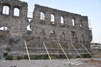 BEYLERBEYİ SARAYI - Beylerbeyi Sarayı'nın Restorasyonu Başladı
