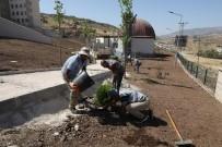 Büyükşehir Belediyesi, Çermik'te Okul Bahçesini Düzenledi