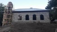 OSMANLıCA - Depremde Hasar Gören,  600 Yıllık Tarihi Cami Onarılıyor