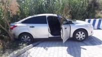 POLİS NOKTASI - Freni Çekilmeyen Otomobil Trafiğe Daldı