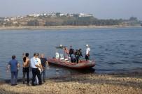 BOĞULMA TEHLİKESİ - Göle Giren 3 Arkadaştan Biri Boğuldu