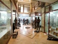 POLİS HELİKOPTERİ - Küçükçekmece'de Kaçak Sigara Operasyonu