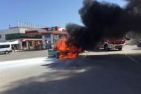 SÖNDÜRME TÜPÜ - Otomobil Akaryakıt İstasyonunda Alev Alev Yandı