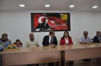 JANDARMA KARAKOLU - Samsunlu Şehit Ailelerinden Uşak Valisi Salim Demir'e Anlamlı Ziyaret