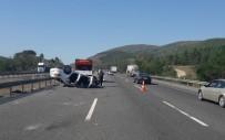 TEM Otoyolunda Meydana Gelen Kazada 2 Kişi Yaralandı