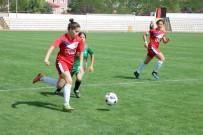 GENÇ KIZLAR - Futbolda Genç Kızlar Kocaeli Temsilcisi Tur Atladı