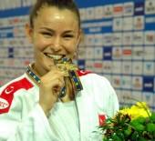 MERVE KOÇER - İrem Korkmaz Avrupa Şampiyonu