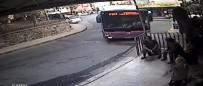 YıLDıZ TEKNIK ÜNIVERSITESI - İstanbul'da Otobüs Faciası Teğet Geçti