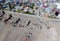 SASANILER - Tarihi Erzurum Kalesi'nde Kazı Çalışmaları Sürüyor