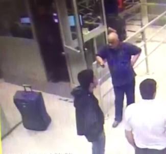 Valiz içinde yurt dışına kaçmaya çalışırken yakalandı!