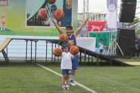 TUNCAY ŞANLI - Arnavutköy Yaz Spor Okulları Ünlü İsimlerin Katıldığı Törenle Sona Erdi