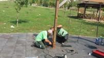 ONARIM ÇALIŞMASI - Büyükşehir Belediyesi Parklarda Bakım Çalışması Yapıyor