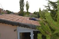 Çatıda Elektrik Akımına Kapılan Adam Öldü