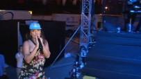 DEMET AKALIN - Festivalde Demet Akalın Rüzgarı