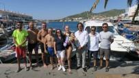 CEBELITARıK - Karaburun'dan Foça'ya Yüzdüler